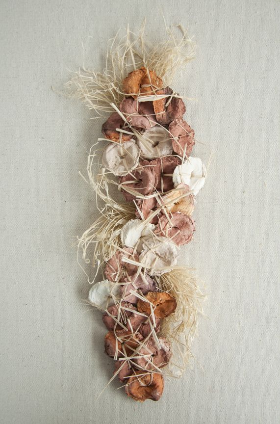 Afecto-Sujeto III  2012. 40 x 40 cms.  Lana entrelazada sobre malla plástica