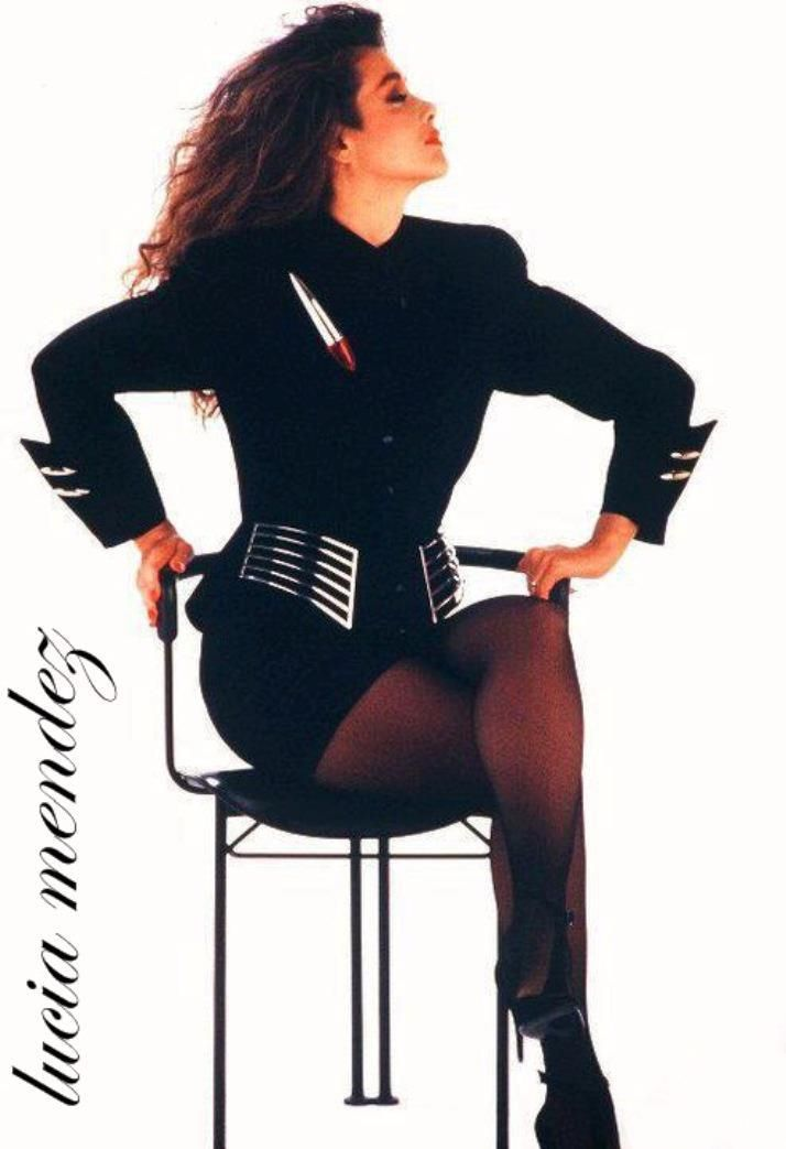 Lucia Mendez in Thierry Mugler