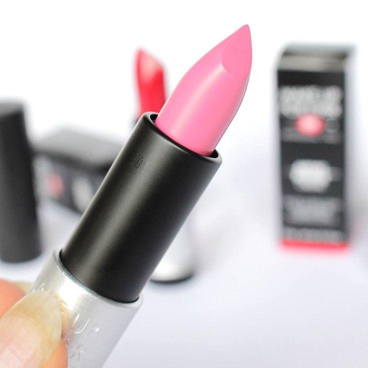 Una domenica in #pink  con il delizioso rossetto Artist Rouge Lipstick @makeupforeverofficial  COSA NE PENSATE?  Vi piacciono i rossetti rosa oppure preferite le nuance più audaci e sexy come il viola e il rosso?  #makeupforever #mufe #artistrougelipstick #makeupforeverlipstick #lip #lips #lipstick #makeup #beauty #instamakeup #instabeauty #beautyblogger #bblogger #beautydea