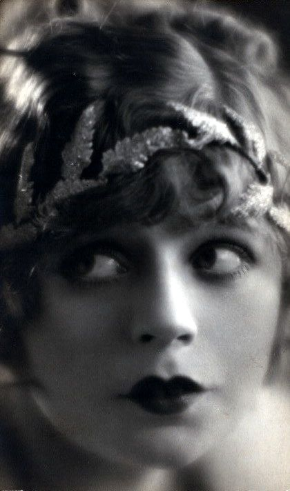 Dulcie Cooper (1903-1981) - Australian stage actress who also performed in silent movies and later in television.