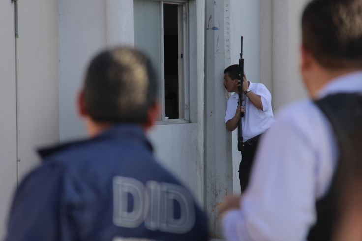 Operativo por asalto frustrado movilizo a los cuerpos policiacos, de los 3 niveles de Gobierno. Foto: Gerardo Nieto