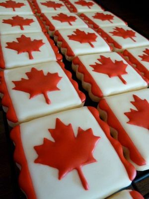 Cute Little Canadian Flag Cakes (in honor of my Canadian boyfriend)