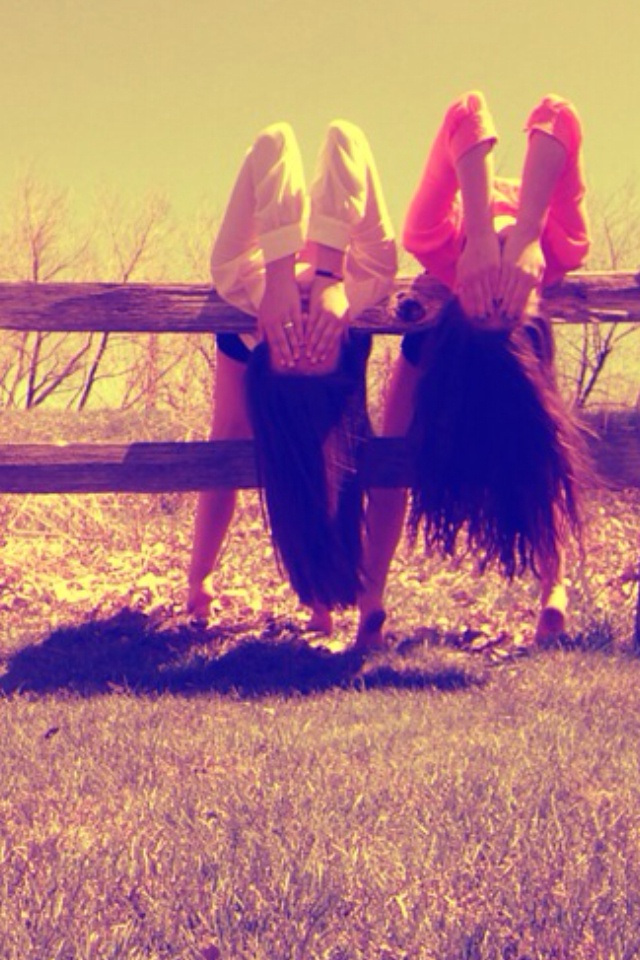 will someone take this bestfriend picture with me?