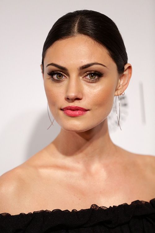 Phoebe Tonkin Talks The Originals Season 1 & Hayley's Leadership Role http://sulia.com/channel/vampire-diaries/f/43cffc1f-849e-4772-b65d-d4d8bfce7ffa/?source=pin&action=share&btn=small&form_factor=desktop&sharer_id=54575851&is_sharer_author=true&pinner=54575851