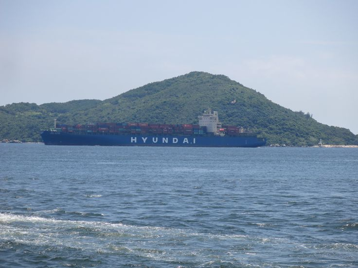https://flic.kr/p/JiegPA | hyundai singapore | Type:container ship Builder:Hyundai heavy industries ltd co south korea Year build:2006 Hull no.1665 Year build:2006 Operator:Hyundai Owner:zodiac maritime Engine:B&W 10K98MCC Power output:57075kw Speed:25kn Length:304,20m Beam:40,10m Draught:14m 6763TEU Container capacity at 14T:5071TEU Reefer container:700TEU Gross tonnage:74651 Deadweight:80262 IMO:9305685