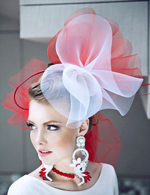 http://g.wieszjak.pl/p/_wspolne/pliki_infornext/495000/modna_polska_plakatbialo_czerwonej_sesji2.jpg