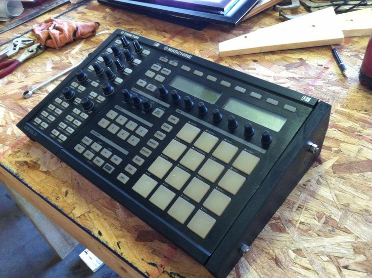 Native Instruments Maschine + Traktor Kontrol X1 Combonation