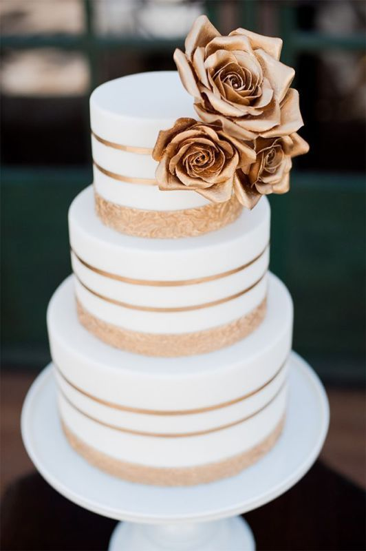 gold modern wedding cake, photo by McCune Photography