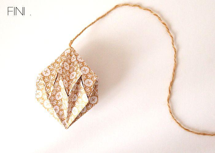 Noël approche.Vous allez commencer à élaborer votre décoration ... J'ai un DIY à vous proposer pour décorer votre maison : le diamant de Noël.