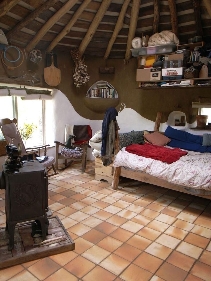 Tiny Cob House - click for more pics ... Kinda reminds me of Hagrids hut!!;)
