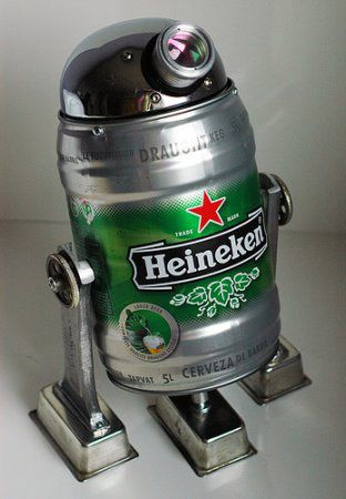 R2D2 en fut beertender Heineken