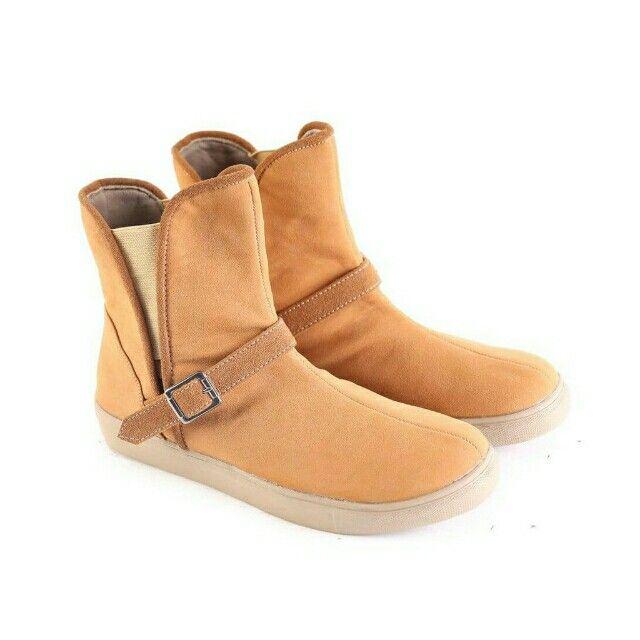 Temukan Garsel Sepatu Boot Wanita - L 587 seharga Rp 182.000. Dapatkan sekarang juga di Shopee! http://shopee.co.id/jimbluk/104159386