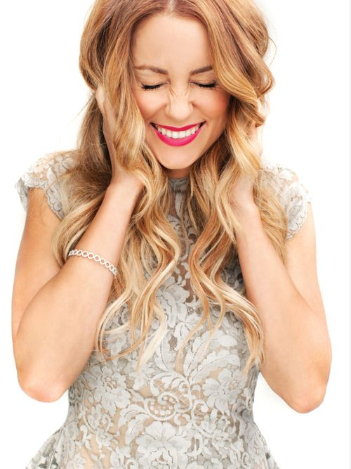 perfect curls... I LOVE Lauren Conrad and everything about this picture... hair, dress, lipstick... I want to be her