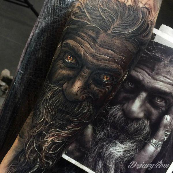 Niesamowity tatuaż wykonany przez Freddiego Tomasa | Dziary.com
