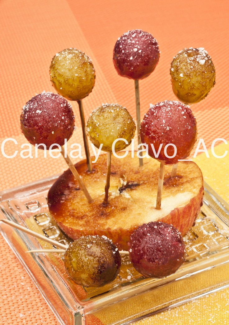 Chupa chups de uva creados por @Uvasdoce. #recetas #uva #uvasdoce (Imagen Canela y Clavo Comunicación).