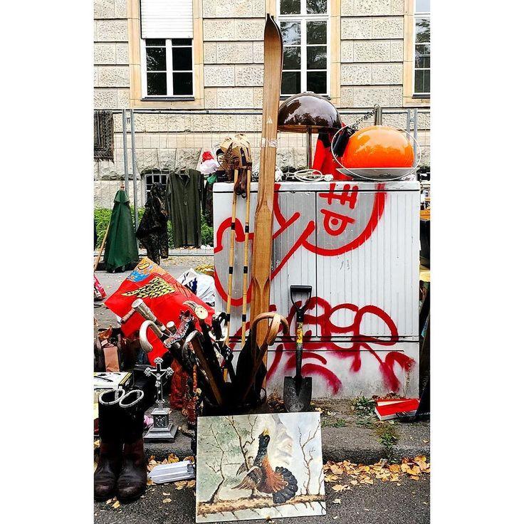 F L E A M A R K E T Trash vs Treasures. . . . . #berlin #fleamarket #vintage #saturdaymood #saturday #thehappynow #pursuepretty #wandeleurspark #makeyousmilestyle #abmlifeissweet #abmlifeiscolorful #abmsummer #abmathome #flashesofdelight #petitejoys #livethelittlethings #dscolor #livecolorfully #liveauthentic #foundforaged #theblogissue #nothingisordinary #finditliveit #howisummer #howyouglow #prettylittlething #colorventures #thatcolorproject #myunicornlife #diewocheaufinstagram
