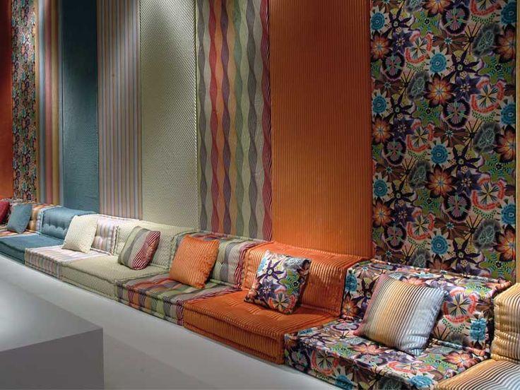 25/05/09 - Roche Bobois, la maison francese leader mondiale nell'edizione e nella distribuzione di mobili esclusivi, ha sfilato al Salone Intern
