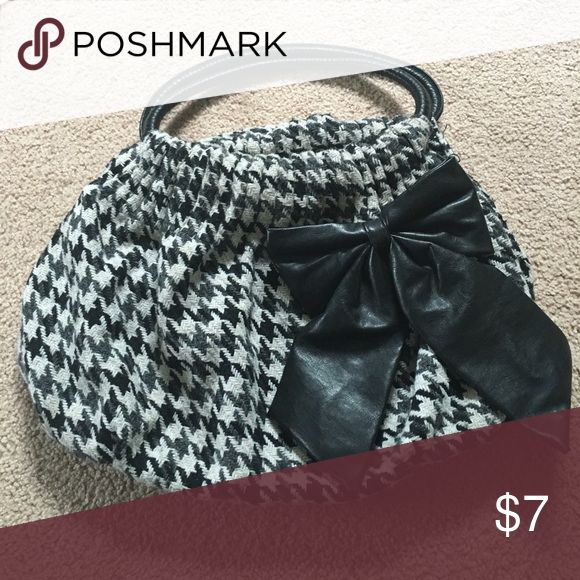 Black bow purse Houndstooth knit. Black, dark gray and off white. Other