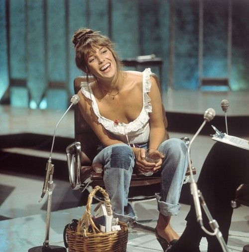 Jane Birkin... simple happy gypsy style