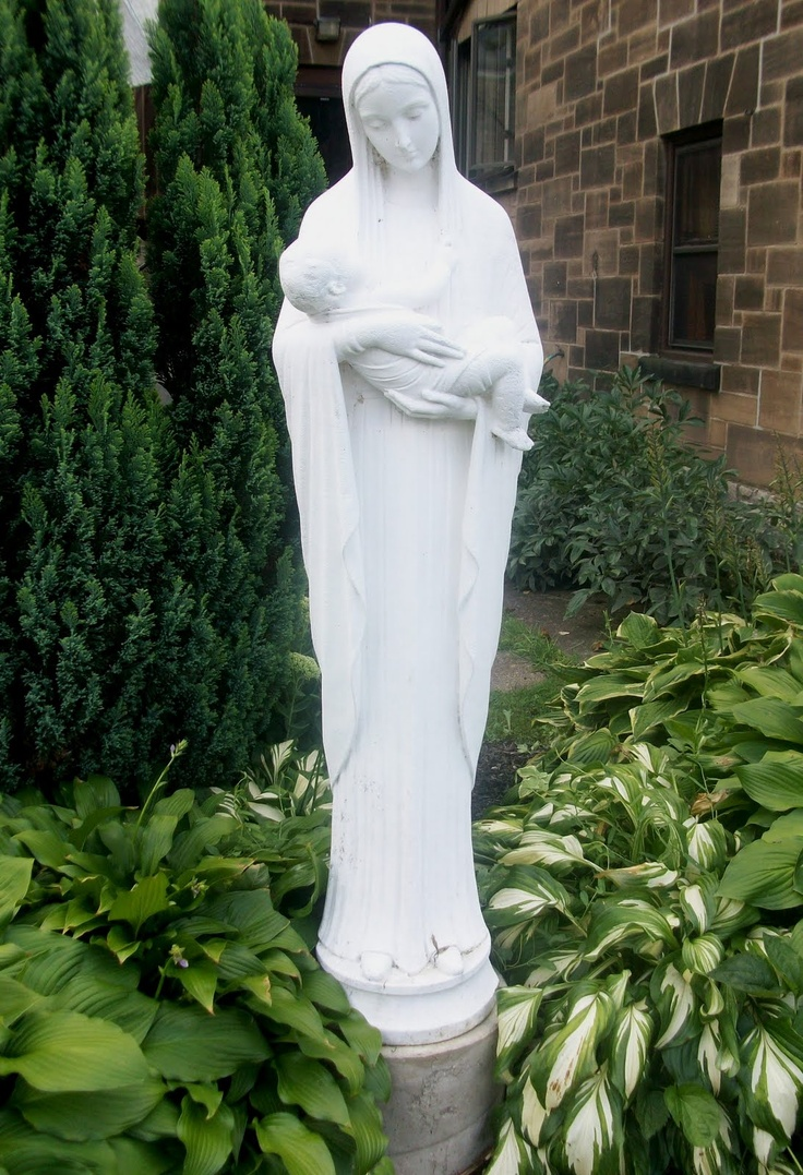 1000 Images About Holy Mother Mary Garden On Pinterest Gardens Statue Of And In The Garden