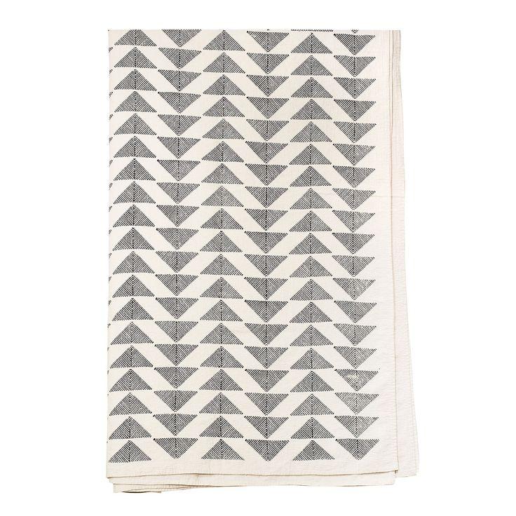 Pyramid Bedspread 160x270cm, Black/White, Afroart