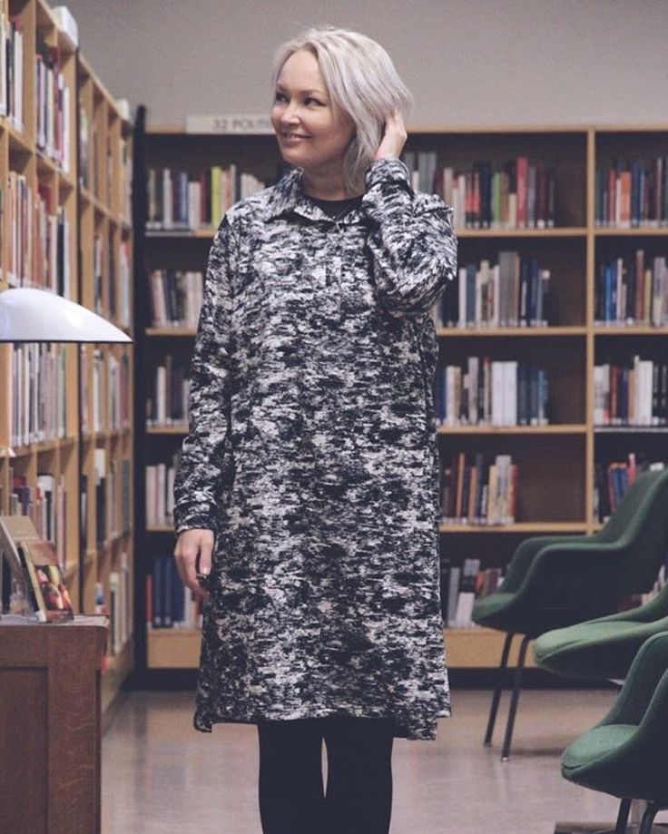 Riikka is wearing our Särö shirt dress — doesn't it look amazing on her!  Thank you @hunajaista for this picture!  #papuloves #papustories #papudesign #organicclothing #sustainablefashion #scandinavianstyle #kidsdesign #kidswear #kidsstyle #säröshirtdress #twinning #twinningiswinning