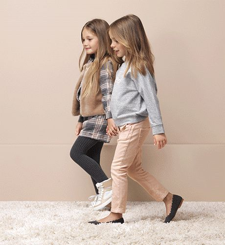 This season's little Chloé girl takes her cues from the Maison's tomboyish roots.  A pretty palette of slate grey, powder blue and soft pin...