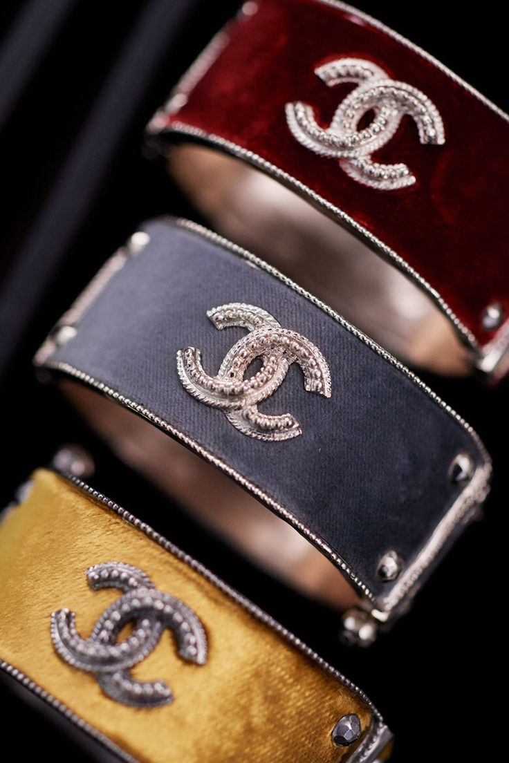 Chanel Pre-Fall 2017 http://amzn.to/2rz57Jl
