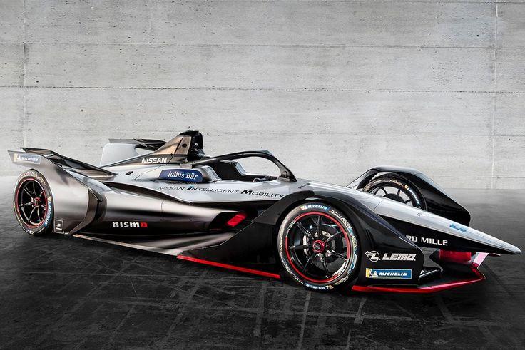 日産自動車は3月6日、スイス・ジュネーブで行われるジュネーブモーターショーの一般公開に先駆けてプレスカンファレンスを開催。このなかで2018/19年のABBフォーミュラEに投入するマシンカラーリングコンセプトを世界初公開した。 2018年末に開幕するフォーミュラEの第5シーズンは、新型のシャシーとバッテリーが導入され、レース中の車両乗り換えが不要になるなど、シリーズ誕生以来の大幅な変革が行われる。 ニッサンは2017年10月に行われた第45回東京モーターショーで、そんなフォーミュラ第5シーズンに日系自動車メーカーとしてはじめてワークス参戦すると表明。参戦に向けた準備を進めてきた。 6日、ジュネーブでお披露目されたのは第5シーズンから導入されるGen2シャシーにカラーリングを施したもの。ただし、このカラーリングは実戦仕様ではなく、あくまでコンセプトとなる。 カラーリングはシルバーを基調としながら、フロント部分はブラックで精悍なイメージに仕上げられた。コクピット横には『NISSAN INTELLIGENT…