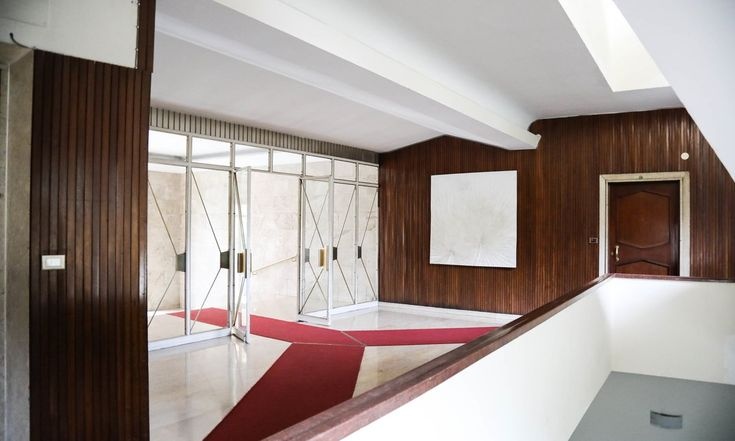 The Socialite Family | Quand le bois s'invite dans les appartements milanais. #meet #portrait #marielouisescio #pellicanogroup #italy #hotel #rome #dolcevita #architecture #wood #bois #pink #marble #inspiration #idea #decor #home #thesocialitefamily