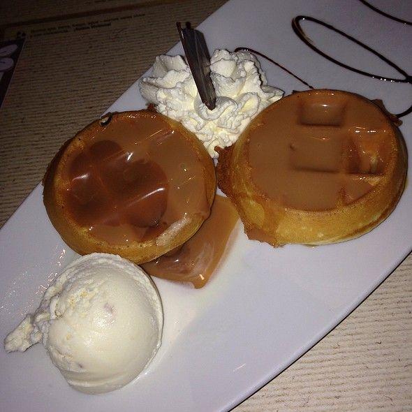 Mini Waffles De Arequipe @ Crepes & Waffles Santa Ana