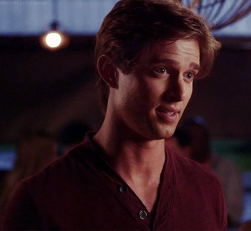 'Pretty Little Liars' Charles Theory: Jason Has Been Big A The Whole Time
