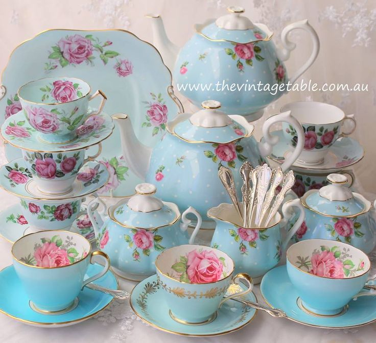 Tea time with Vintage & New Royal Albert New Country Roses Fine Bone China, one of my favorites Z