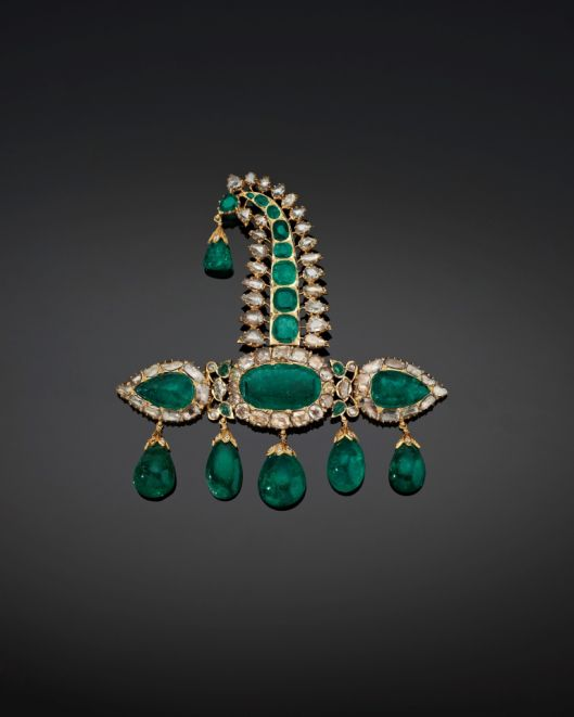 Turban ornament (sarpesh). South India, probably Hyderabad, ca. 1900. Gold, set with emeralds and diamonds.