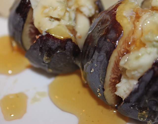 Honey drizzled gorgonzola stuffed figs | Got no food in me tummy! | P ...