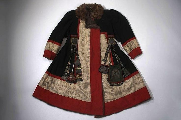 Winter coat, woman's, ornamented. Yakut, Sakha, Siberia (1902, Jesup expedition). Cloth, fur, hide, metal, sinew, bead