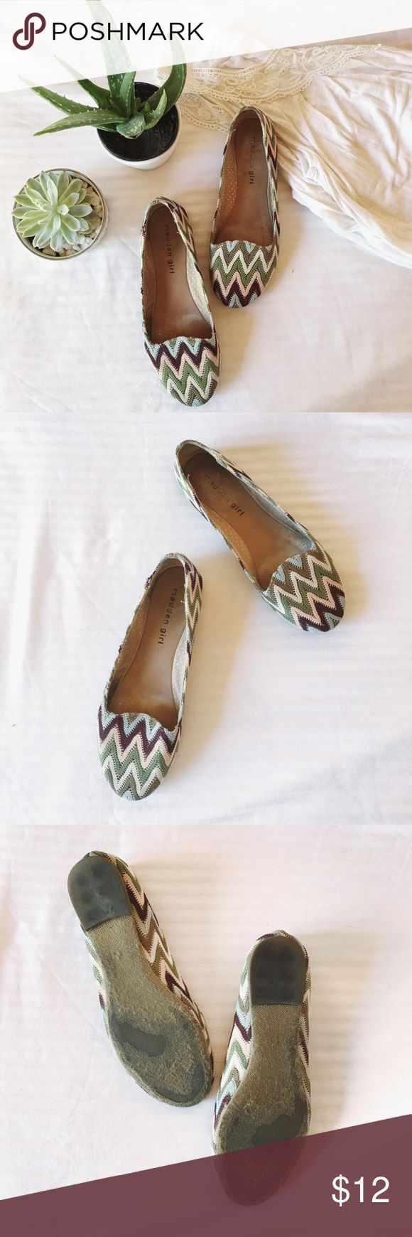 Tribal Print Flats Madden Girl Tribal print flats Size: 5.5 Used; tiny flaws shown on pics (stitches off and little tear on the side)  Other items NOT included ‼️‼️  All sales are final; NO return/ exchange  #tribalprint #flats #size5.5 #maddengirl #maddengirl5.5 Madden Girl Shoes Flats & Loafers
