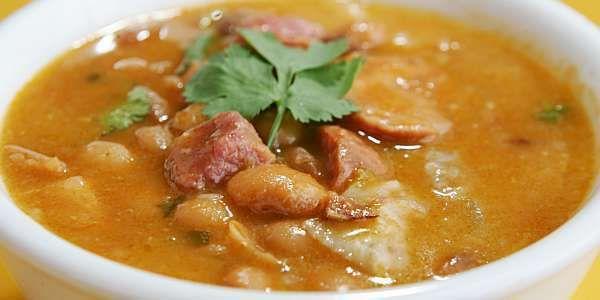 mocotó com dobradinha  http://www.churrascariagalpaocrioulo.com.br/arroz-de-carreteiro-mocoto-e-churrasco/