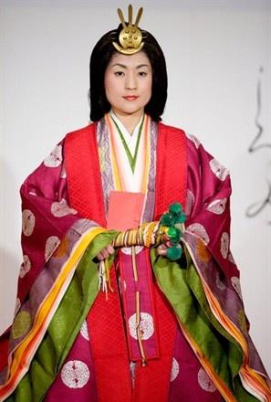 The Heian Period-- Juni Hitoe 12 layers kimono