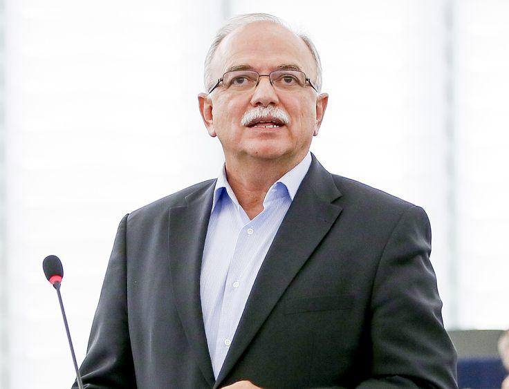 Σε συνέντευξή του στην εβδομαδιαία οικονομική και πολιτική εφημερίδα «FM Voice», ο Αντιπρόεδρος του Ευρωπαϊκού Κοινοβουλίου και επικεφαλής της ευρωομάδας του ΣΥΡΙΖΑ, Δημήτρης Παπαδημούλης, αναφέρθη…