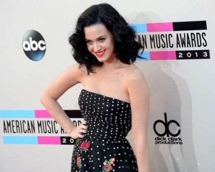 What do you think of Katy Perry's detox diet? http://www.examiner.com/article/katy-perry-slims-with-detox-diet-cleanse-green-tea-supplements-ban-on-booze