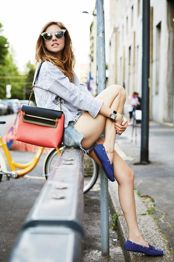 @Who What Wear - The Best Blogger Outfit Ideas To Try This Weekend On Chiara Ferragni of The Blonde Salad: Gaelle Bonheur Sweatshirt; Levi's 501 Denim Shorts ($86); Tod's Gommino Suede Loafers ($425); Chloe Clare Leather Shoulder Bag ($1680); DSquared sunglasses.