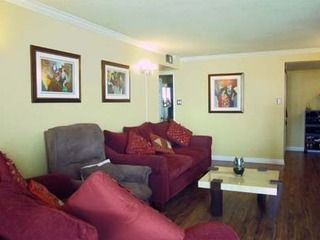 Hurontario/Hwy 403 - Condominium