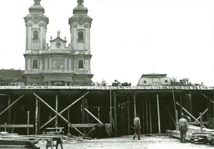 Eger, Dobó tér - Centrum Áruház építése 1972 (fotó Molnár István Géza)