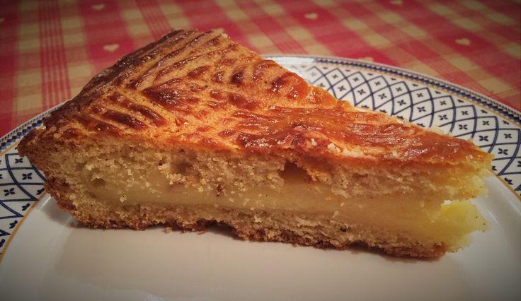 Voilà le gâteau le plus régressif pour moi... un des gâteau qui a bercé mon enfance... le gâteau Basque ! Ce gâteau à la pâte sablée légère, fourré de crème pâtissière... huumm !!! Merci à Jérôme de m'avoir fait retomber dedans ! Ingrédients : Pour la...