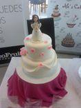 Preciosa tarta creativa para comunión ¡con muñeca incluida! #tartascreativas #comuniones