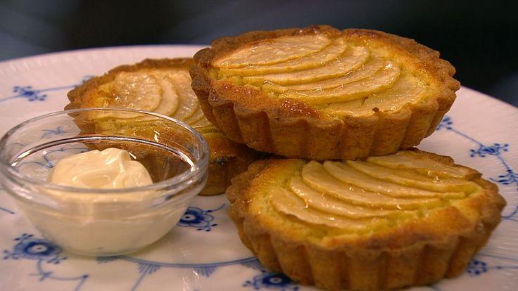 Æbletærte med mandelcreme er en lækker opskrift fra Go' morgen Danmark, se flere dessert og kage på mad.tv2.dk