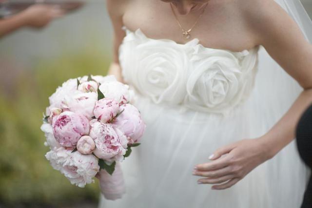 7. Peony Wedding,Peony bouquet / Wesele pachnące piwonią,Bukiet piwonii,Anioły Przyjęć