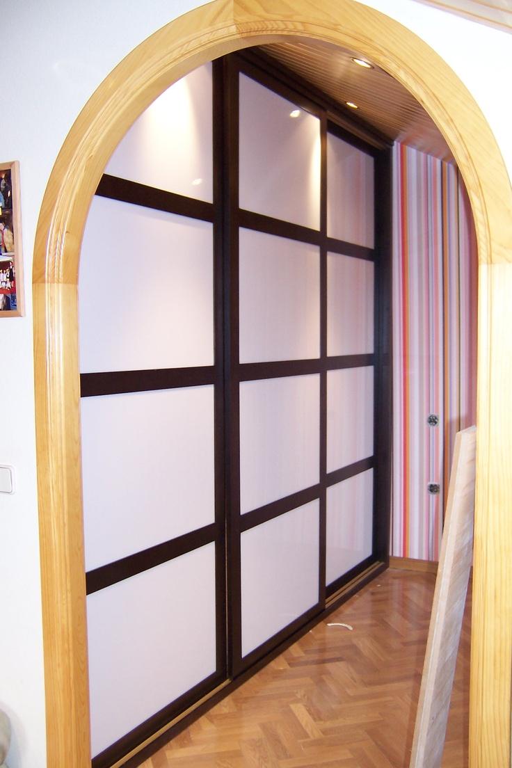 Frente de armario en madera y metacrilato con puertas - Puertas correderas estilo japones ...