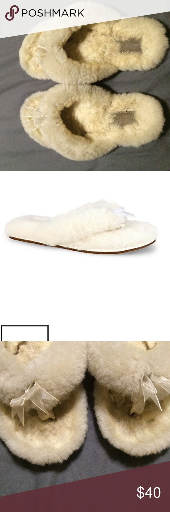 Ugg slipper flip flops Gently used ugg womens cream flip flop slippers UGG Shoes Slippers